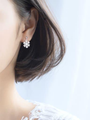 Fresh Snowflake Shaped S925 Silver Drop Earrings