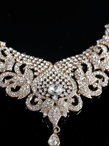 Exaggerated Ethnic Glass Rhinestones Two Pieces Jewelry Set
