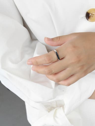 Sterling Silver personality black-enamel free size ring