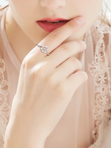 Fashion 925 Silver Shiny Cubic Rotational Zircon Ring