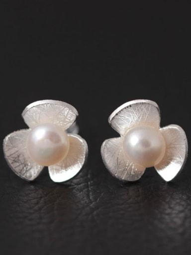 Flower Freshwater Pearls stud Earring