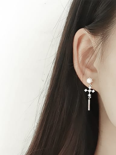 Fashion White Artificial Pearl Cubic Zircon Cross Silver Stud Earrings