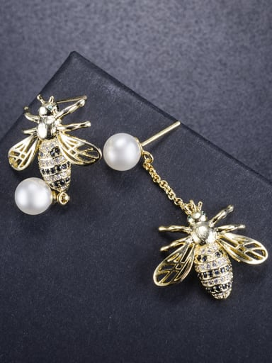 New bee pearl asymmetric micro-inlay zricon earring