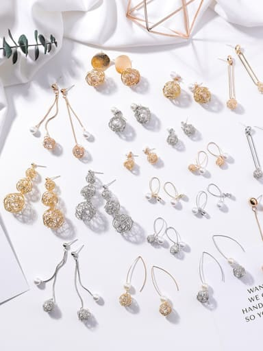 Alloy With Gold Plated Personality Metal winding line Round Earrings