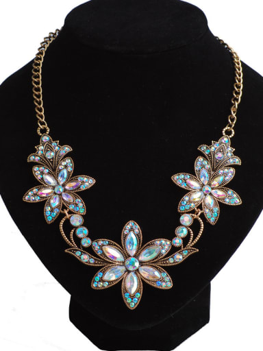 Classical Gold Plated Rhinestones-covered Flowers Alloy Necklace