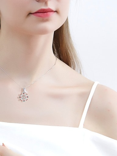 Snowflake Shaped Crystal Necklace