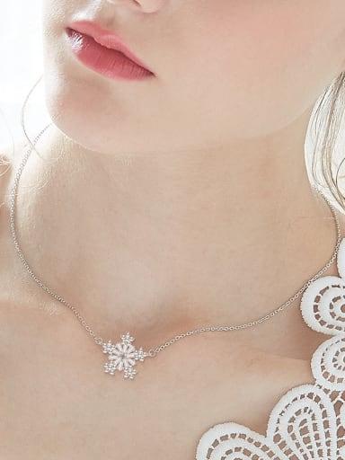 Fashion Shiny Zircon Snowflake Women Necklace