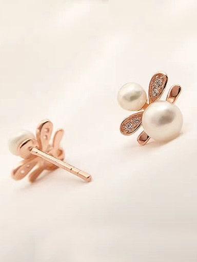Freshwater Pearls Honeybee stud Earring