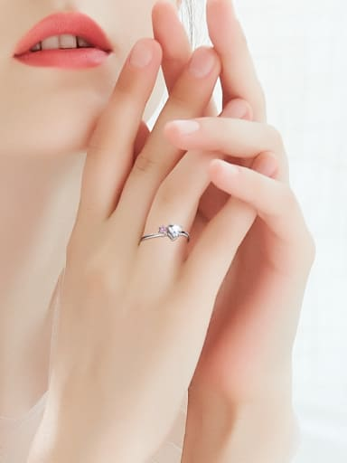 Simple Heart-shaped Zircon Platinum Plated Ring