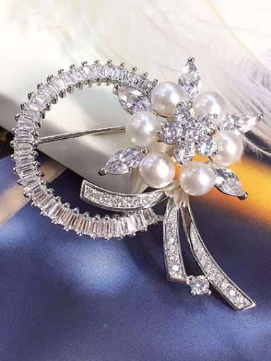 Freshwater Pearl Flower shaped Brooch