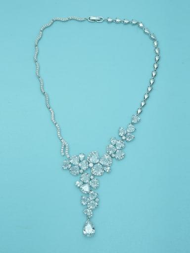 Copper inlaid 3A zircon luxurious flashing asymmetrical Necklace