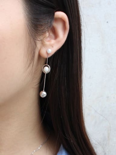 Fashion Artificial Pearls Smooth Bead Silver Stud Earrings