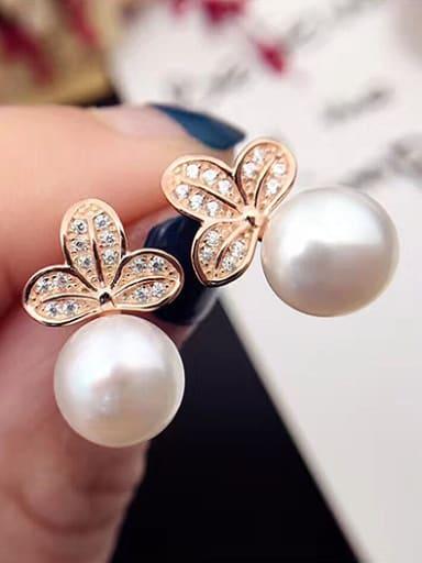 2018 Fashion Freshwater Pearl Flower-shaped stud Earring