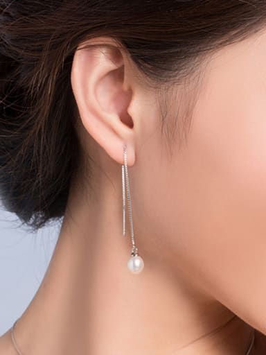 Round Freshwater Pearl Drop threader earring