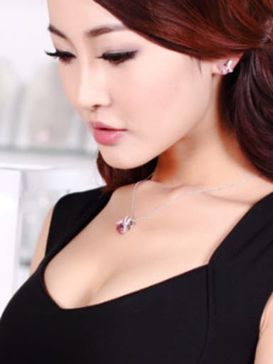 18K White Gold Crystal Swan Shaped Necklace