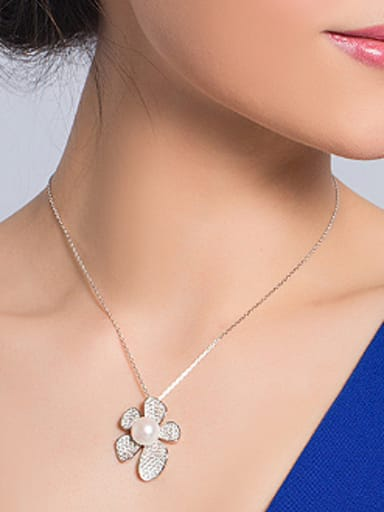 Freshwater Pearl Flowery Necklace