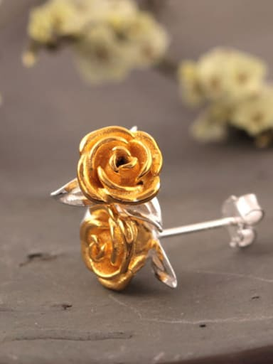Personal Rose Women stud Earring