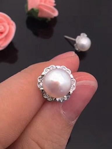 2018 Freshwater Pearl Flower stud Earring