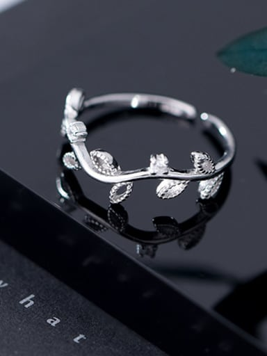 925 Sterling Silver With Platinum Plated Simplistic Leaf free size Rings