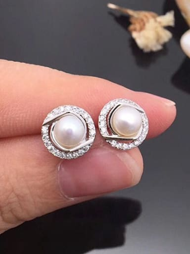 Fashion Freshwater Pearl Round stud Earring