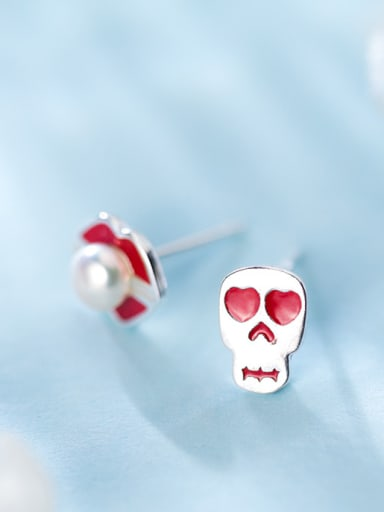 Creative Skull And Lip Shaped Artificial Pearl Stud Earrings