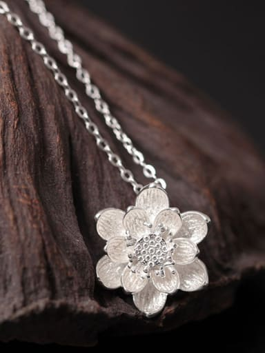 Lotus Flower Women Clavicle Necklace
