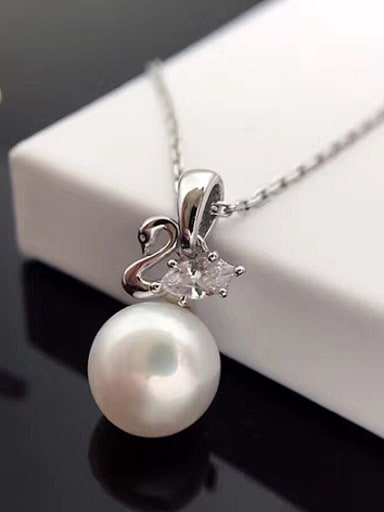 2018 Freshwater Pearl Swan Necklace