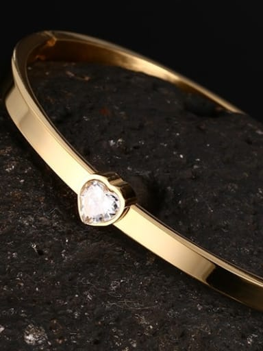Fashionable Gold Plated Heart Shaped Rhinestone Bangle