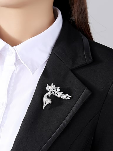 925 Sterling Silver With Cubic Zirconia  Personality Animal  Merlot Brooches