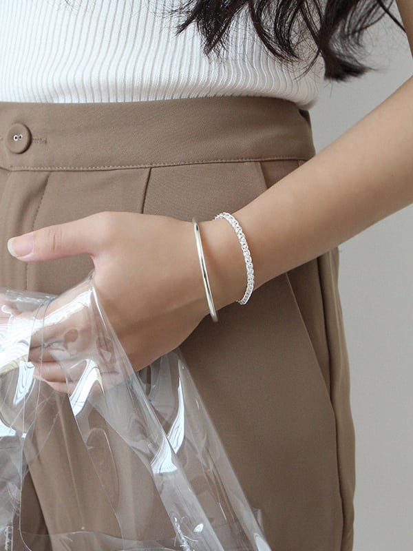 Sterling silver minimalist style glossy silver open bracelet