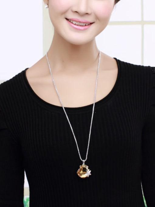 OUXI Fashion Starfish Scallop Austria Crystal Necklace 2