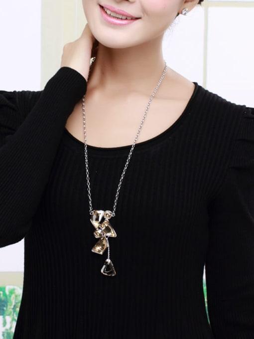 OUXI Fashion Geometrical Austria Crystals Necklace 1