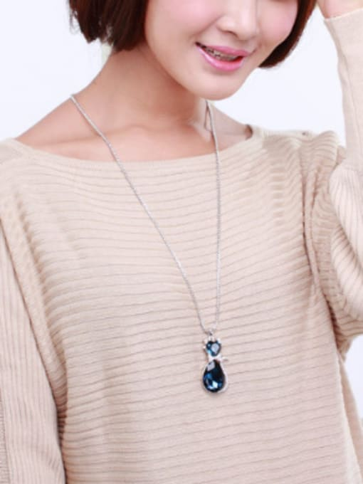 OUXI Fashion Austria Crystals Rhinestones Cat Necklace 1