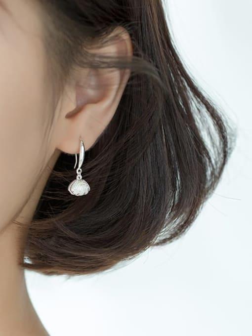 Rosh 925 Sterling Silver Imitation Pearl   Simple Fashion Shell Shape Hook Earring 1