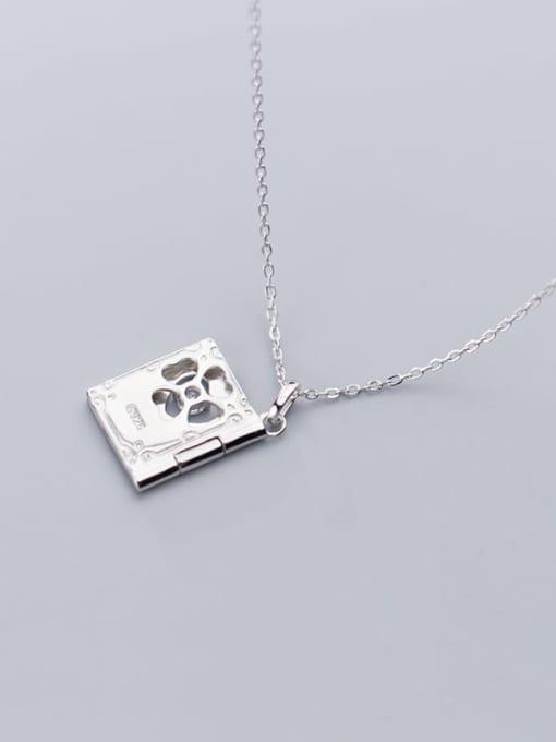 Rosh 925 Sterling Silver  Minimalist Clover  Square pendant Necklace 1