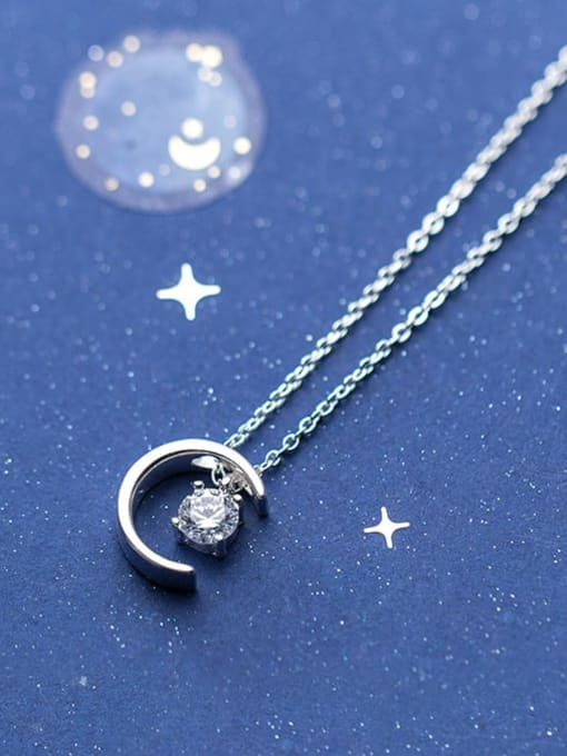 Rosh 925 Sterling Silver Simple Fashion Single Diamond Moon Pendant Necklace