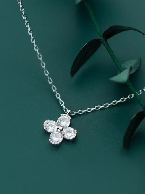 Rosh 925 Sterling Silver Minimalist Cubic Zirconia  Flower  Necklace