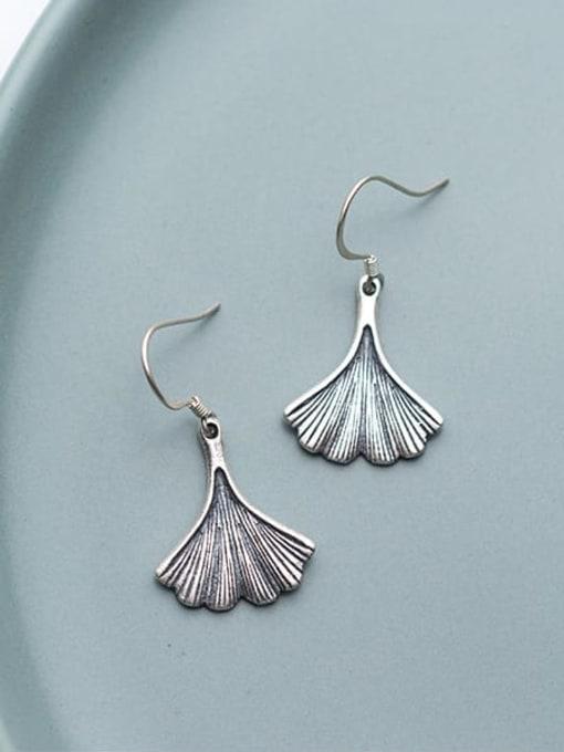 Rosh 925 Sterling Silver  Vintage Leaf Hook Earring 1