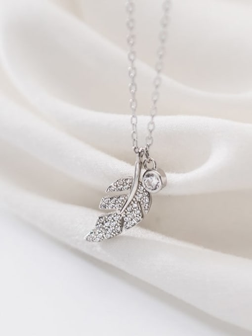Rosh 925 sterling silver simple fashion Diamond Leaf  Pendant necklace