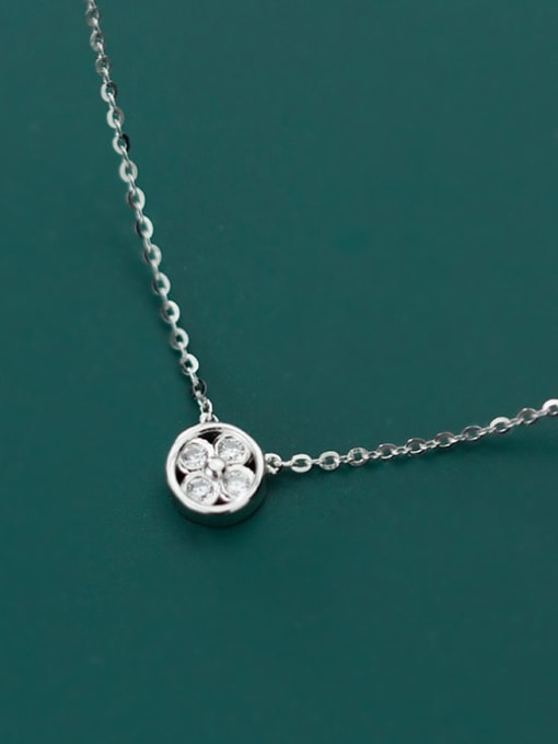 Rosh 925 Sterling Silver Cubic Zirconia Simple geometric flower pendant Necklace
