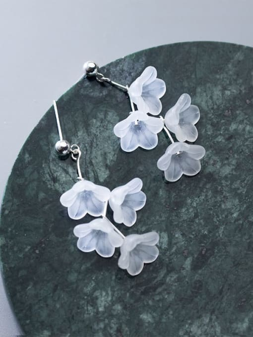 Rosh 925 Sterling Silver Resin White Flower Trend Drop Earring 2