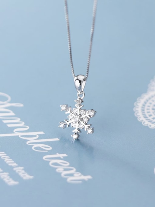 Rosh 925 Sterling Silver Simple snowflake diamond pendant