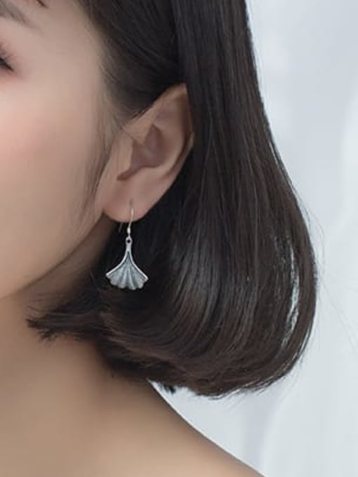 Rosh 925 Sterling Silver  Vintage Leaf Hook Earring 2