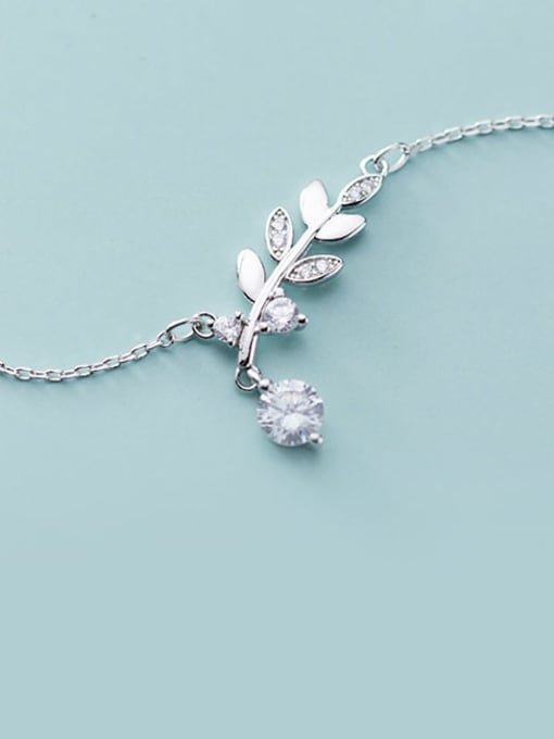 Rosh 925 Sterling Silver Cubic Zirconia   Minimalist Leaf Necklace 3