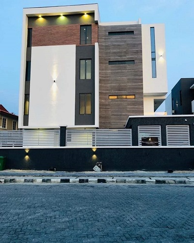 7 Bedroom luxury and furnished detached house at banana Island