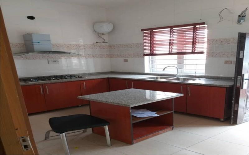 5 Bedrooms Duplex for short let at Parkview Estate Ikoyi