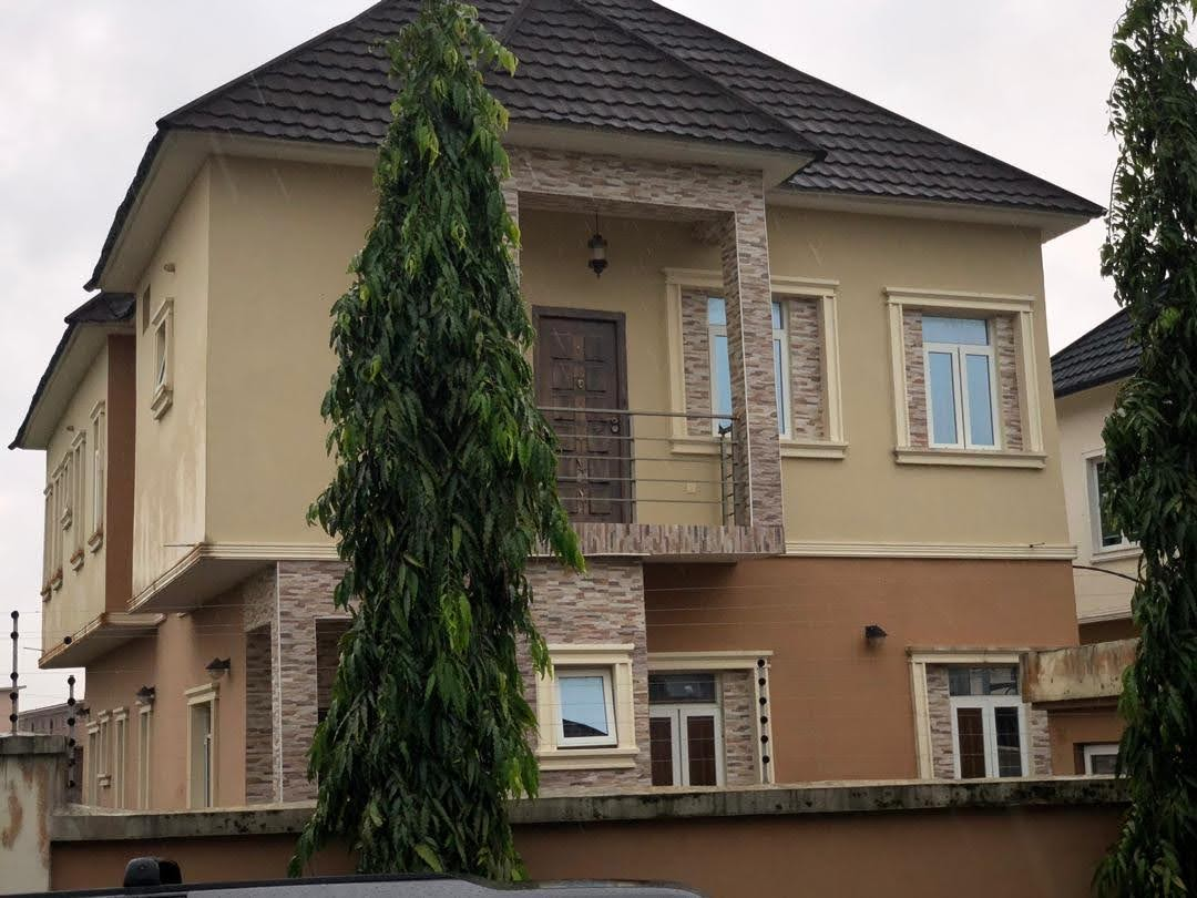 5 Bedrooms Semi-Detached Duplex For Sale At Osapa London