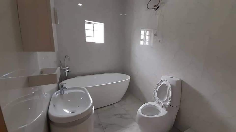 3 bedrooms duplex at Lekki phase 1 with governor's Consent for sale