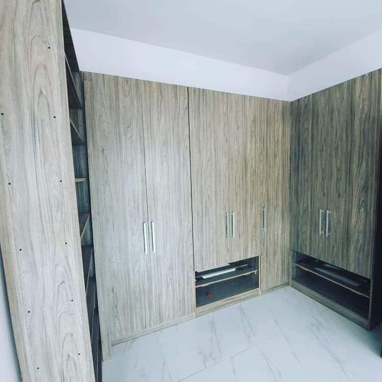 Newly built 3 Bedrooms apartment for sale at Oniru, Lagos
