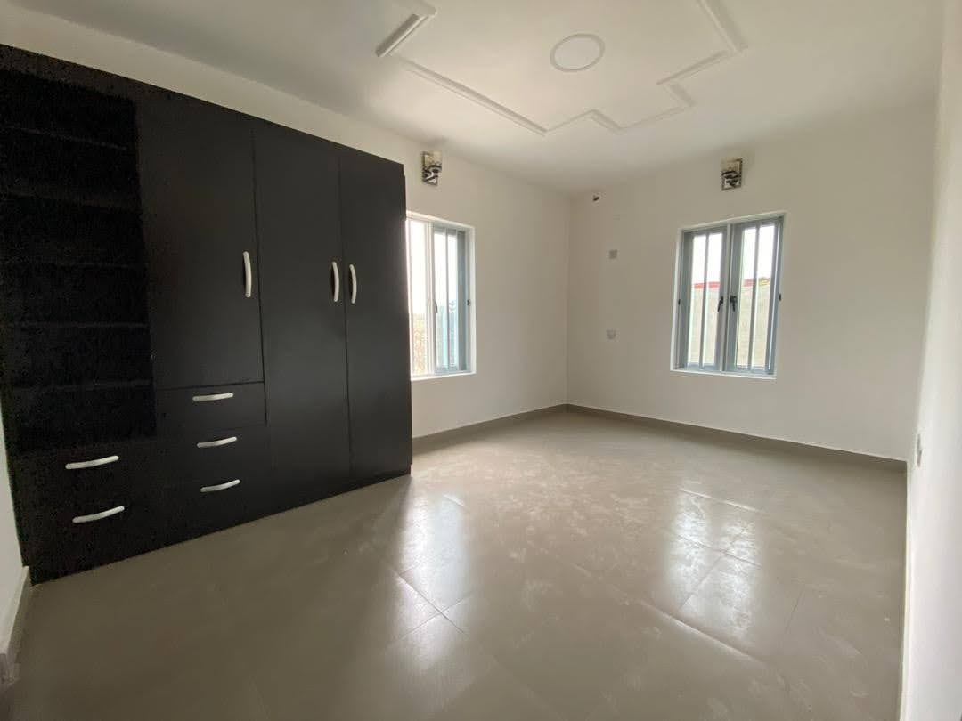 3 Bedrooms apartment in Victoria Island, close to Bishop Oluwole for sale